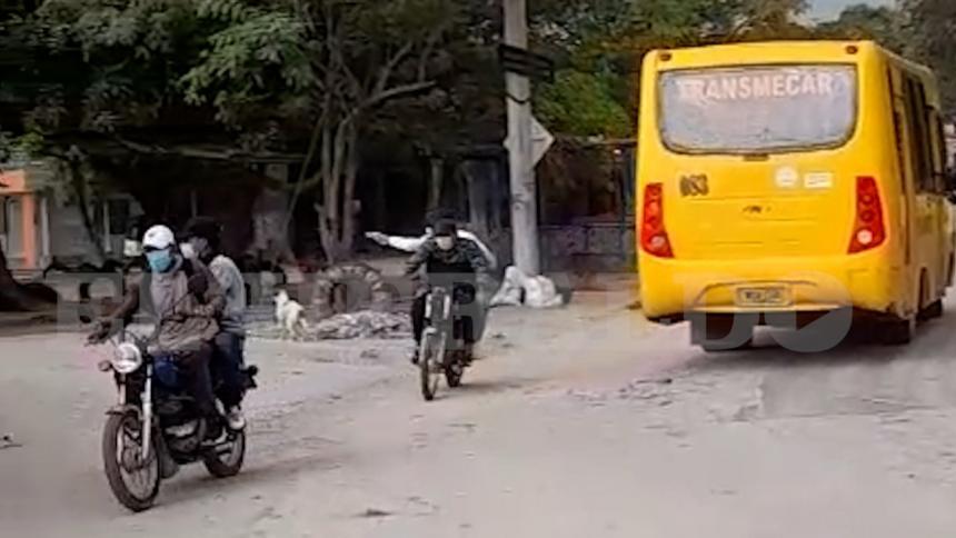 Con pistola en mano: Así huyeron los sicarios del doble crimen en Malambo
