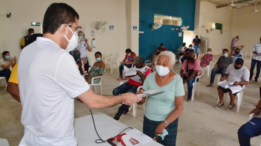 Alcalde Ucrós inició entrega de 1.300 títulos de propiedad en Villa María Selene