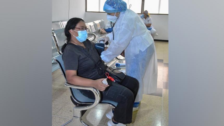 Inicia vacunación para mayores de 45 años sin comorbilidades en Santa Marta