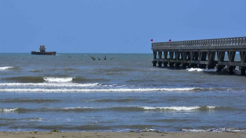 Muelle de Puerto Colombia, el 'viejo' que se rehúsa a desaparecer