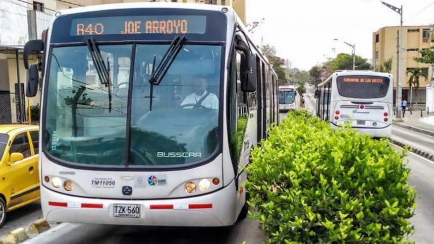 Transmetro suspende de forma temporal servicios por manifestación