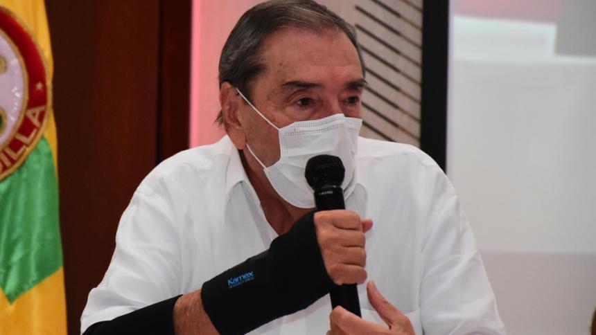 """""""Nosotros no le imponemos jugadores al entrenador"""": Fuad Char"""