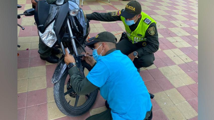 Marcación de motos en Baranoa para evitar su hurto