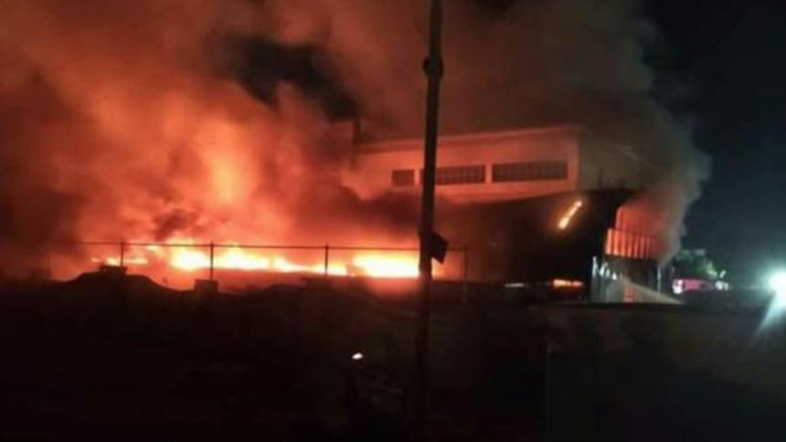Más de 40 muertos en el incendio de un hospital para covid-19 del sur de Irak