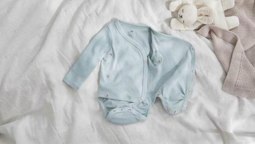 Lanzan colección de ropa de bebé con diseños extensibles