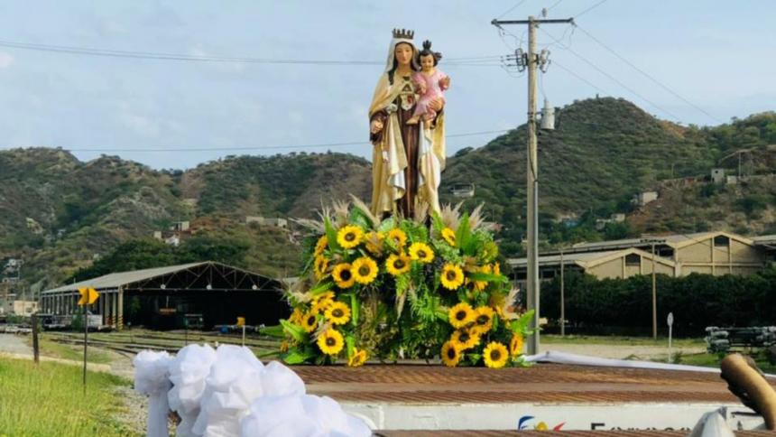 Tren de la Virgen del Carmen inició recorrido por Magdalena y Cesar