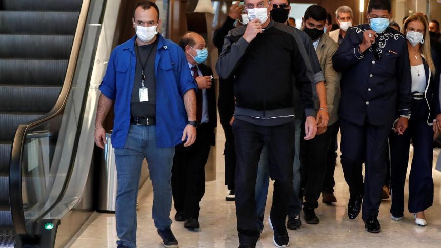 Dan de alta a presidente de Brasil tras sufrir obstrucción intestinal