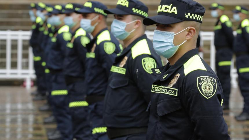El código QR del nuevo uniforme de la Policía genera polémica