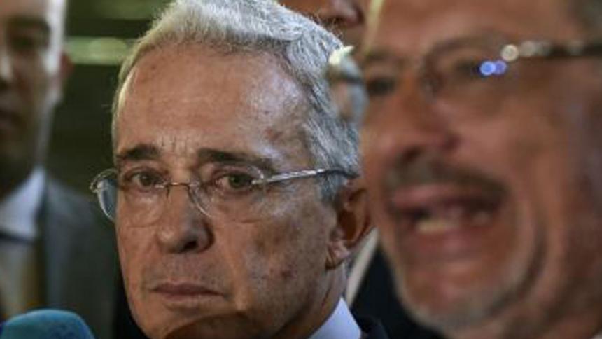 Fiscalía pedirá archivo de proceso contra Uribe