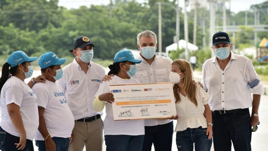 """""""Es una revolución social"""": Duque al entregar subsidios en Sabanagrande"""
