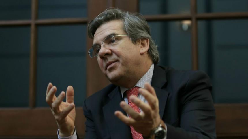 Comisión Primera del Senado elige a Germán Varón como presidente