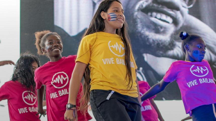 'Baila la vida', el proyecto que promueve el liderazgo y trabajo en equipo en jóvenes