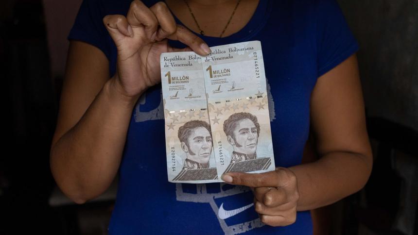 Venezuela eliminará seis ceros al bolívar en tercera reconversión