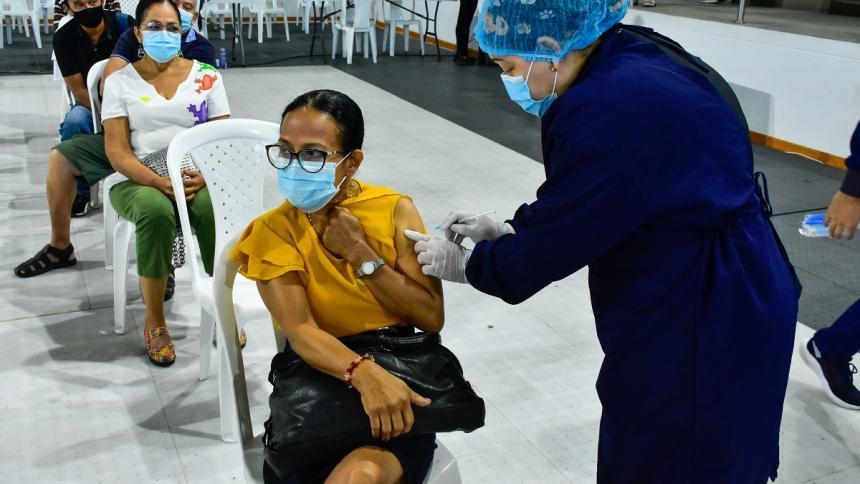 Barranquilla reanuda vacunación y habilita horario extendido