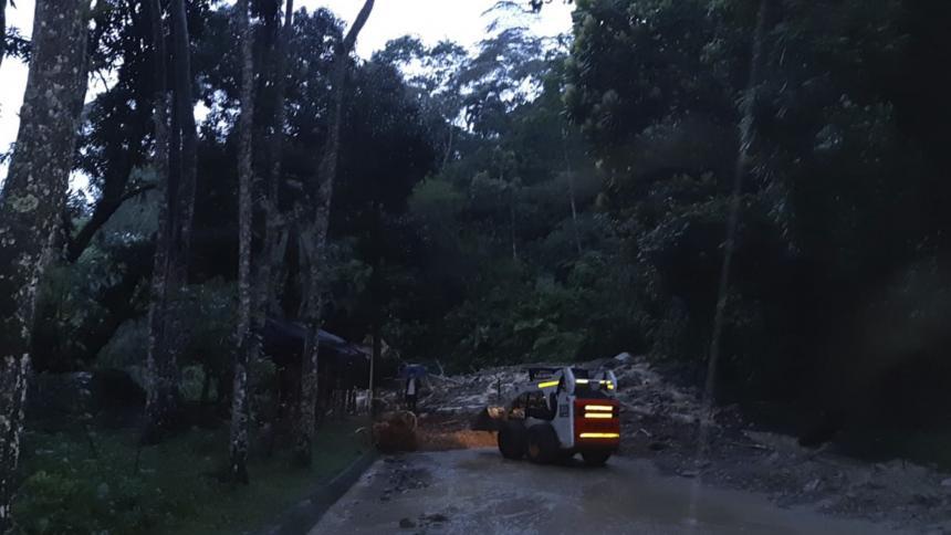 Cerrada vía Medellín - Costa Atlántica por deslizamiento de tierra cerca a Caucasia