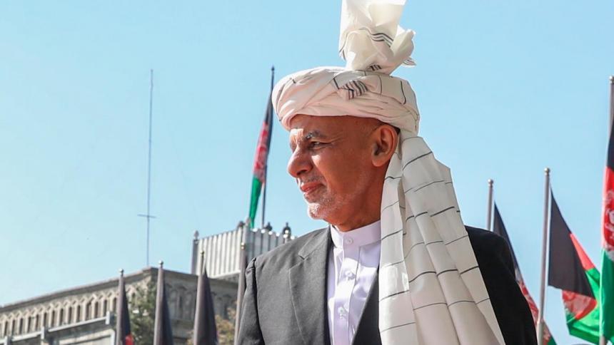 "Presidente de Afganistán dice que se marchó para evitar ""derramamiento de sangre"""