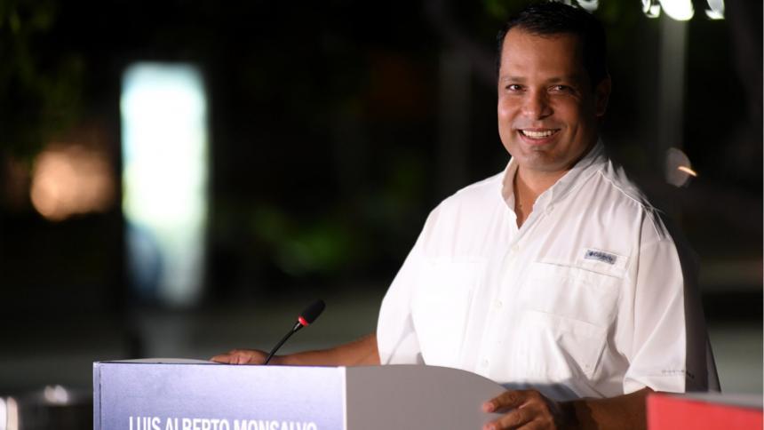 Ordenan detener a gobernador del Cesar por presuntas irregularidades en el PAE