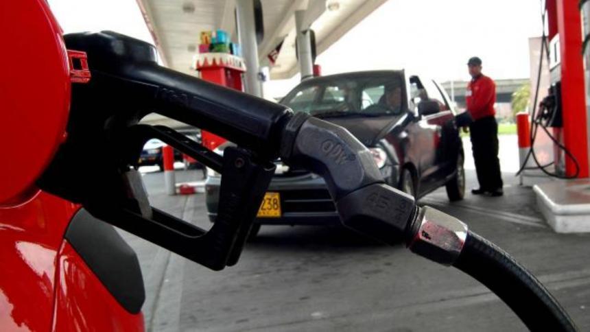 Estaciones de servicio en Córdoba reportan demoras en despacho de combustible