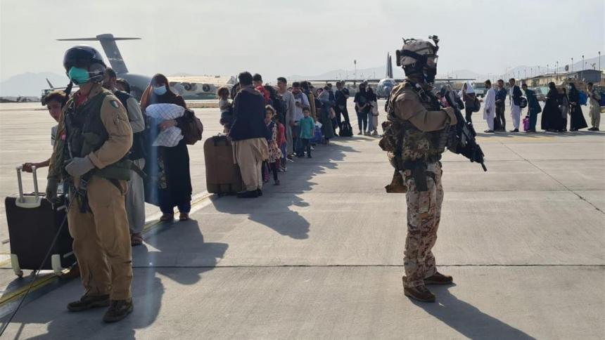 G7 exige a los talibanes que permitan la evacuación más allá del 31 de agosto