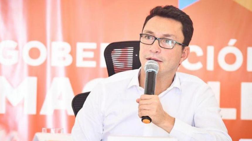 Gobernador Caicedo salió del país al conocer supuesto plan para asesinarlo