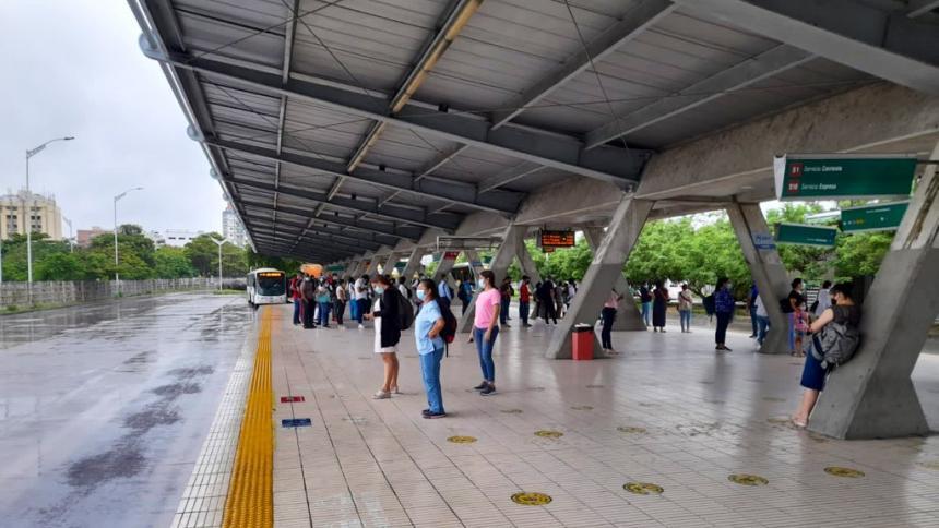 Crisis financiara vuelve a poner 'en jaque' a Metrocaribe