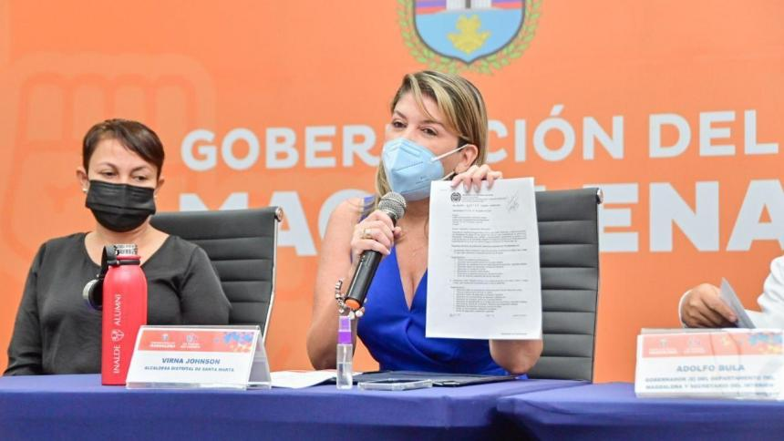 """""""Al Gobernador Caicedo no lo protegen 33 policías"""": Alcaldesa de Santa Marta"""