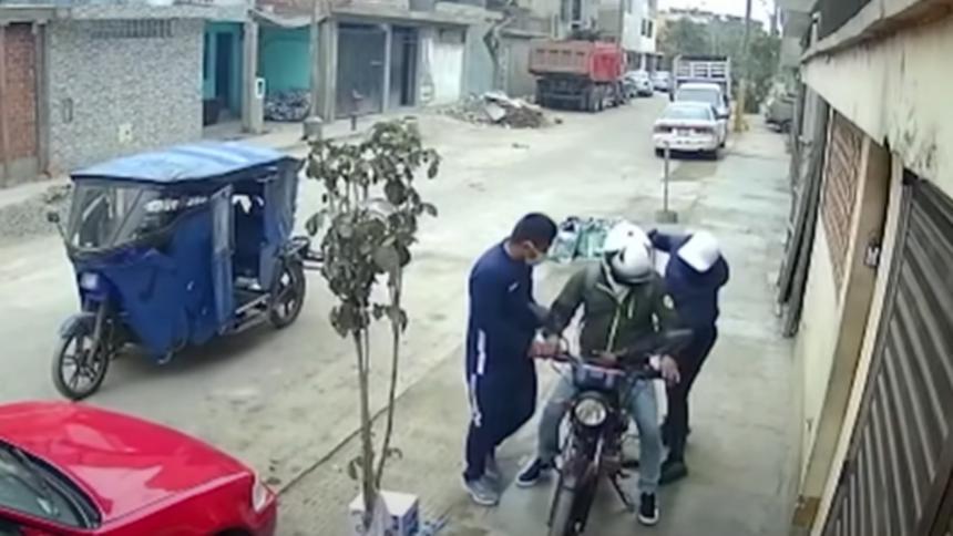 Obreros lanzaron bulto de cemento a ladrones para frustrar atraco