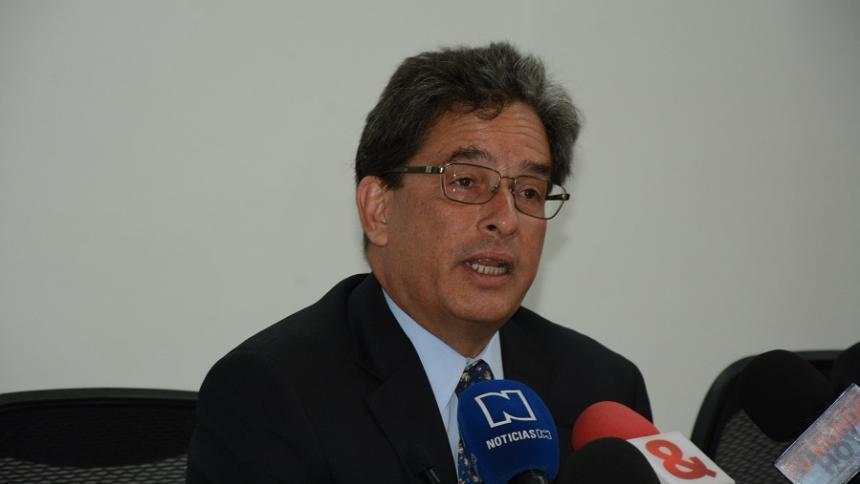 Es oficial la llegada de Carrasquilla a junta del Banco de la República