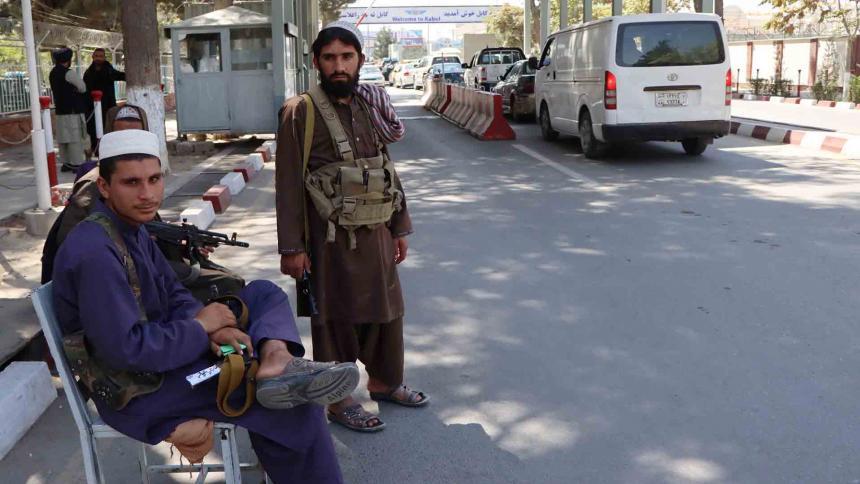 Los talibanes prometen a la ONU que facilitarán sus operaciones humanitarias