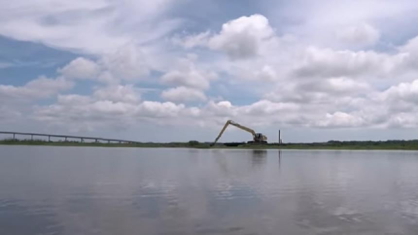 Continúan labores para normalizar coloración del agua en Barranquilla