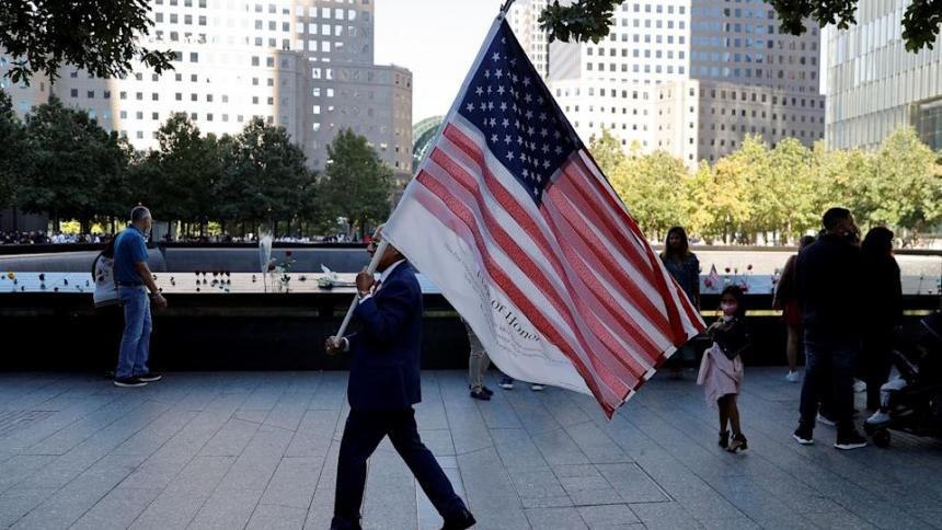Colombiano que rescató un cadáver el 9/11 regresa cada año a la Zona Cero