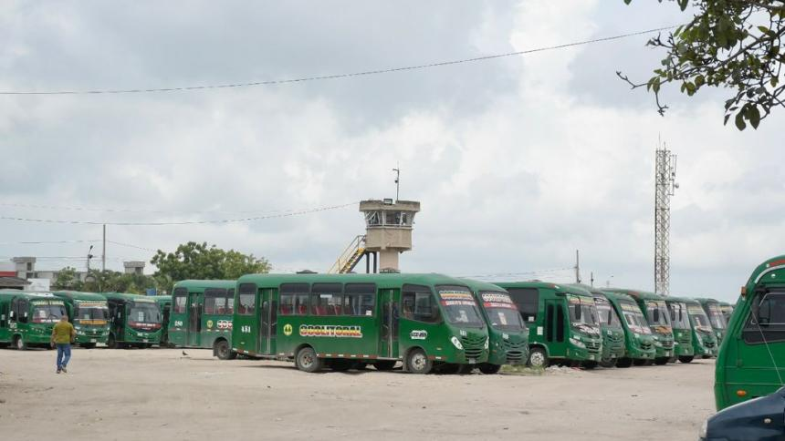 """""""Estamos trabajando con temor"""": conductores de buses"""