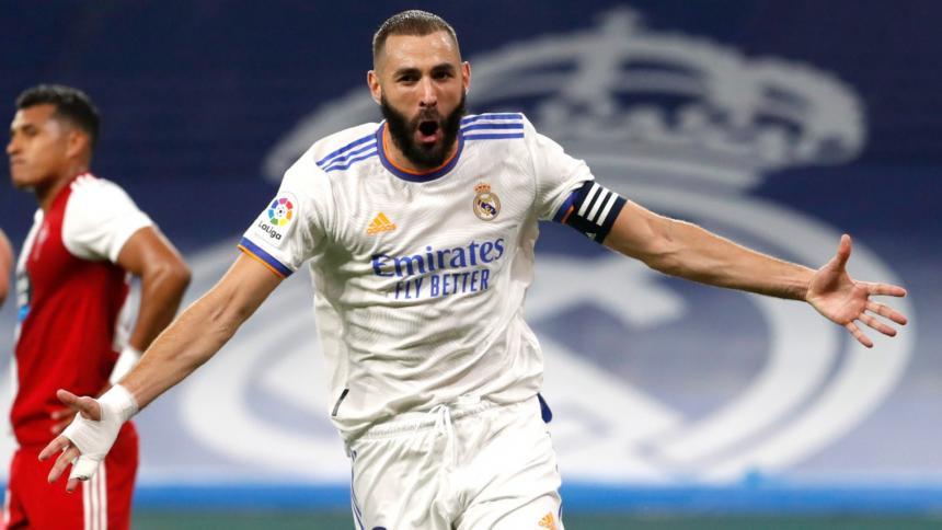 Karim Benzema se sitúa líder con un triplete y Camavinga se estrena como goleador