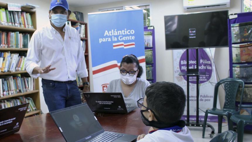 En Sabanagrande comienza piloto de niños programadores de las TIC