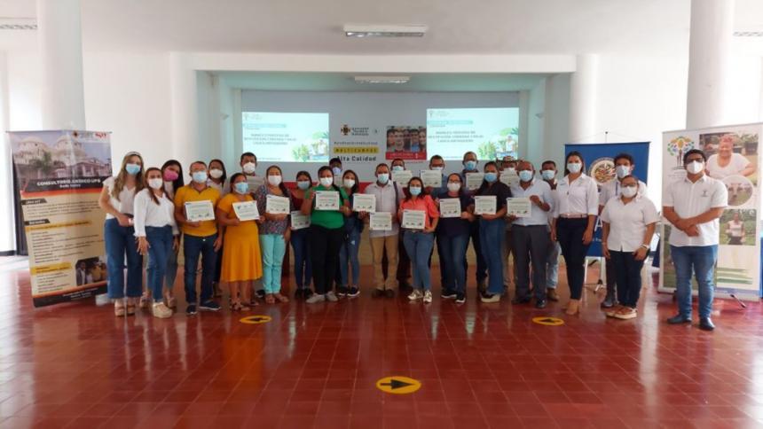 Brindan capacitación a beneficiarios de restitución de tierras en Córdoba