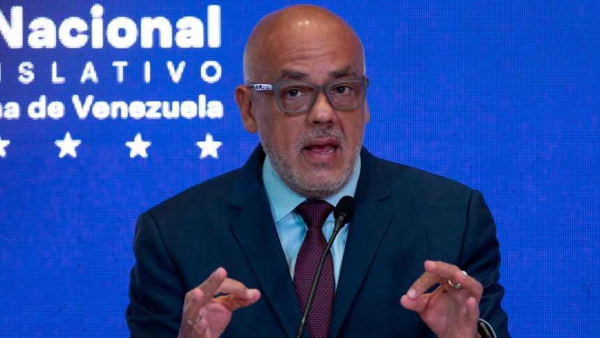 Gobierno venezolano acusa a oposición de sabotear memorando para el diálogo