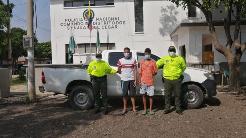 Sujetos roban camioneta y retienen a su conductor en La Guajira
