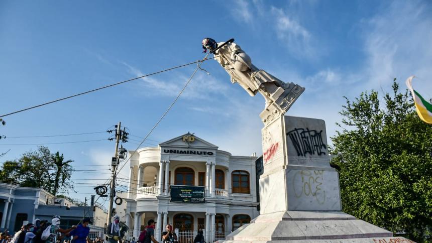 Andje advierte sanciones por dañar monumentos