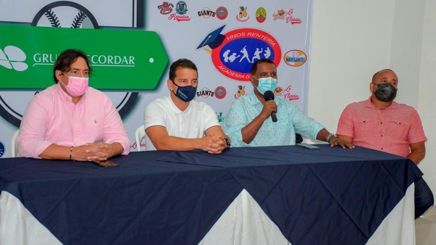 Las promesas del béisbol colombiano vuelven al campo
