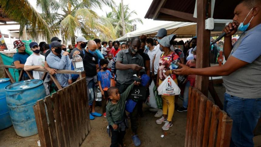 Crisis migratoria: hospital de Necoclí reporta colapso en sus servicios