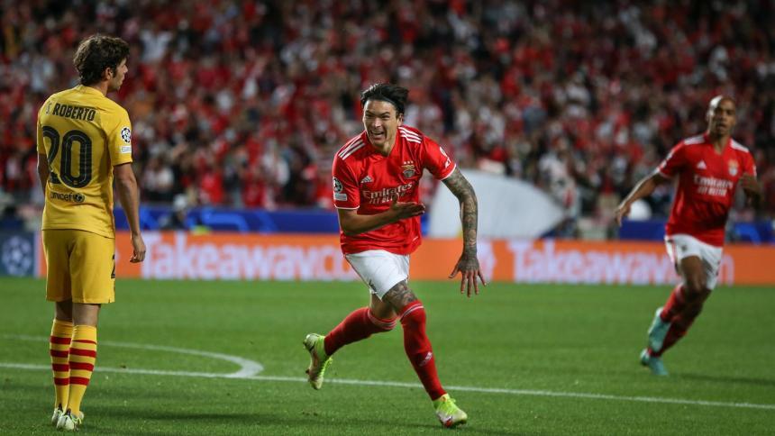 Benfica hunde al Barcelona y sentencia a Koeman