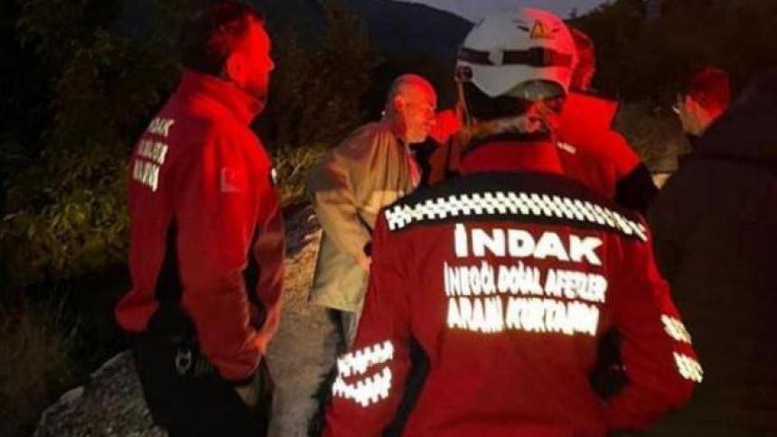 Borracho se unió a rescatistas para hallar a desaparecido y lo buscaban a él
