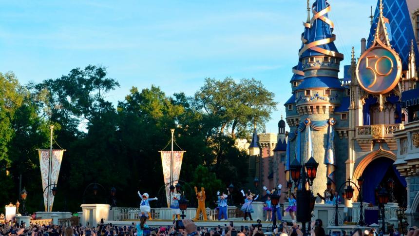 Disney World celebra 50 años con la promesa de seguir creando magia