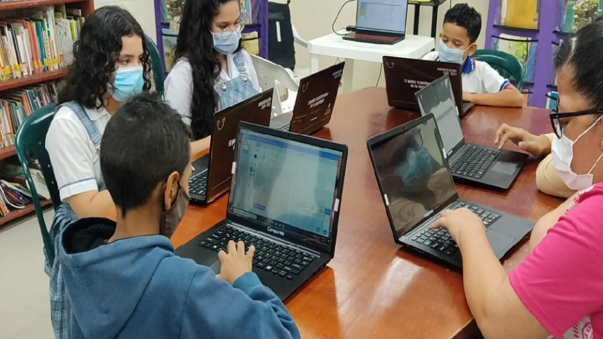 Niños del Atlántico se 'sumergen'  en el mundo de los videojuegos