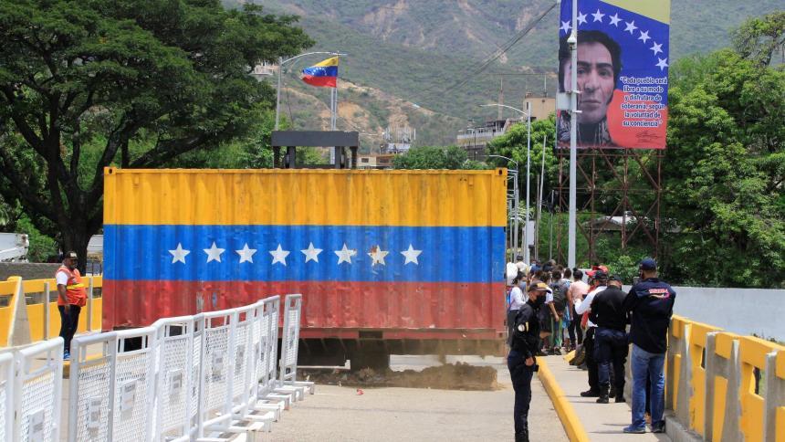 Venezuela confirma reapertura de su frontera con Colombia