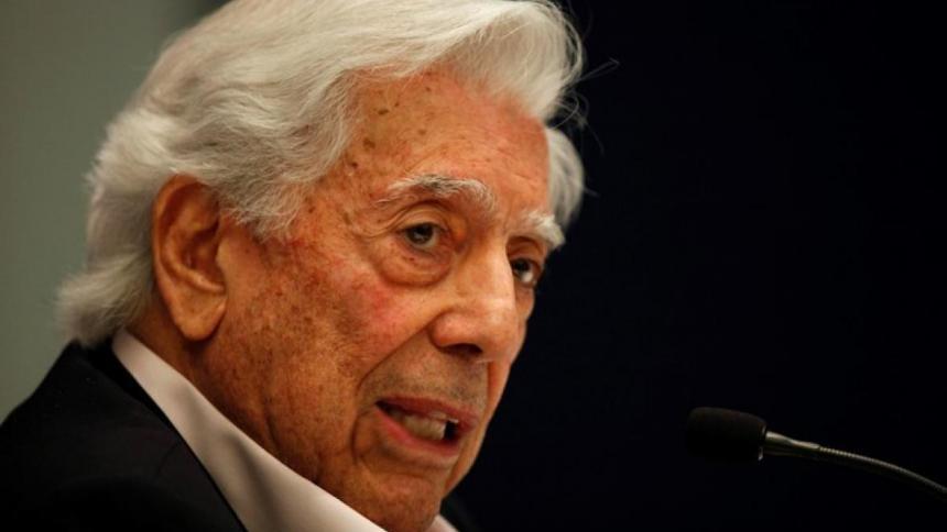 """Mario Vargas Llosa aparece con una """"offshore"""" en los 'Papeles de Pandora'"""