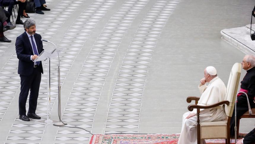 """El papa pide a los parlamentarios """"leyes urgentes"""" en favor del clima"""