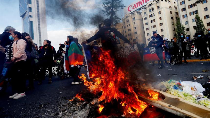 Manifestantes en Santiago piden la renuncia de Piñera por papeles de Pandora