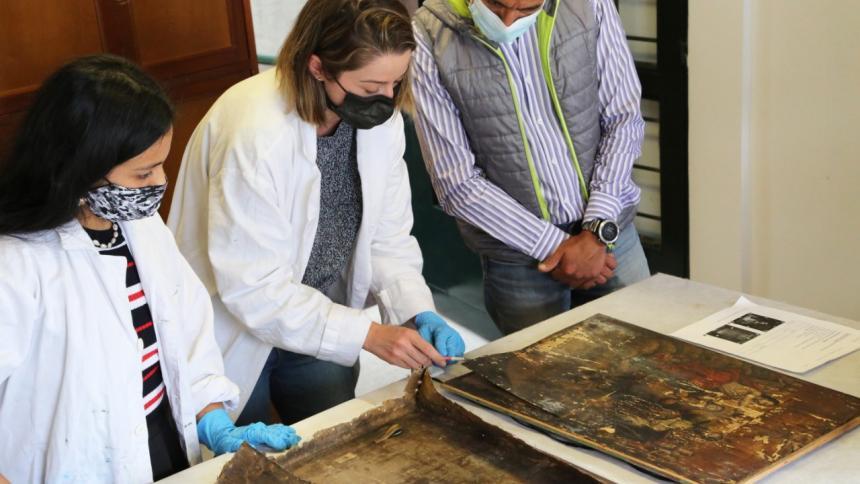 Descubren obra inédita del siglo XVII durante restauración de una pintura