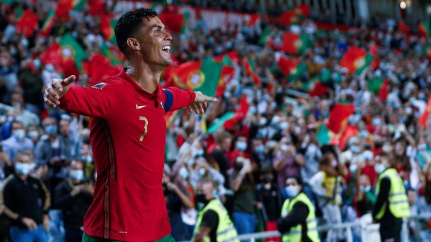 """Cristiano gana el primer premio """"Talento"""" que conceden los embajadores lusos"""